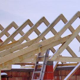 Stavební řezivo (trámy, latě, prkna)